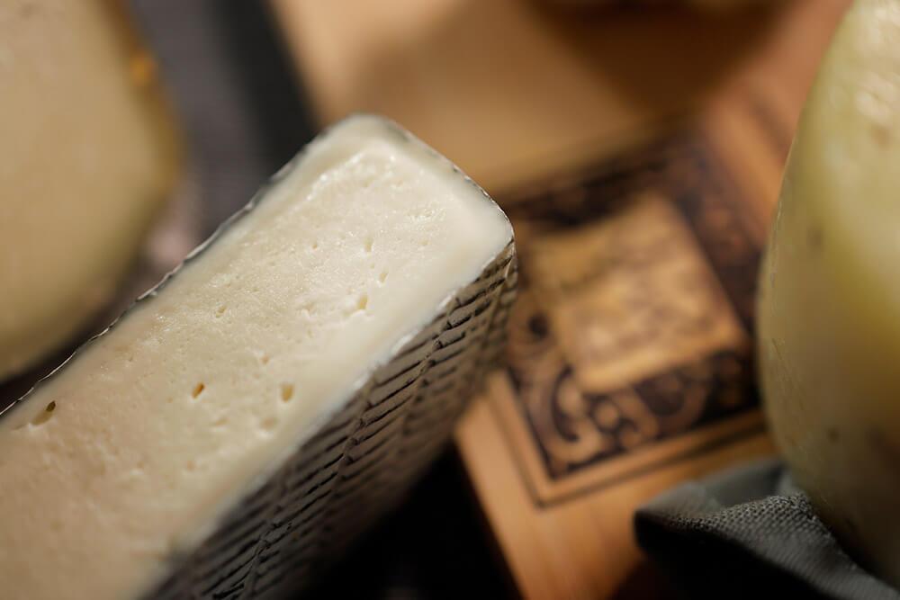 de-magi-formaggi-affinati-dettaglio-3